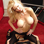 Girl2girl smothering0. Crystal White uses her dripping snatch to take Chelsea Zinns breath away